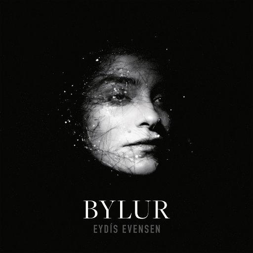 暴风雪 (Bylur),Eydís Evensen